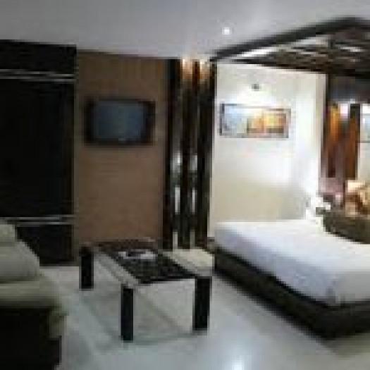 Hotel Surya Honeymoon Suite