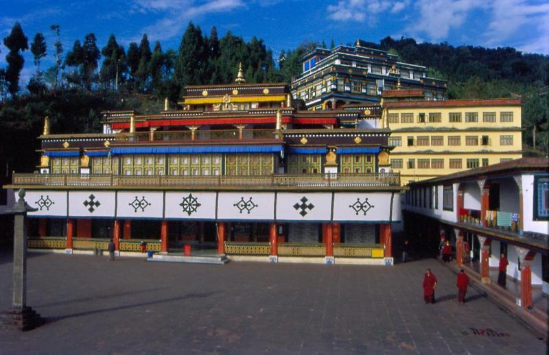 Day 3 : Gangtok Local Sightseeing (Half Day) - Darjeeling (4 Hrs)