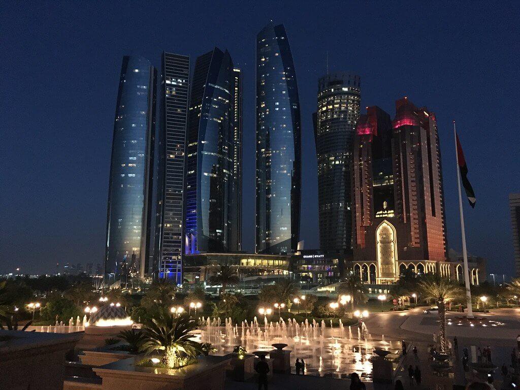 Day 5 : Full day Abu Dhabi City Tour and Desert Ferry Tour