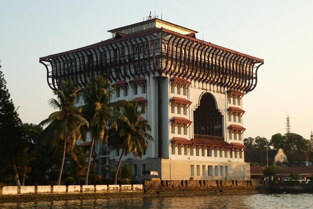 Day 01 : Cochin to Munnar